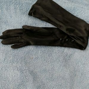 Accessories - Two pairs of gloves, garter